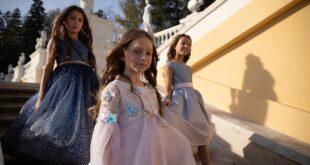 Нарядные платья для девочек и костюмы для мальчиков: новая коллекция Choupette