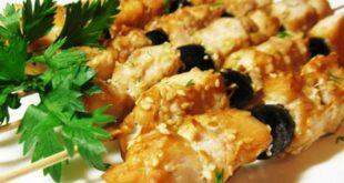 Куриный шашлык в соевом маринаде с маслинами - пошаговый рецепт с фото